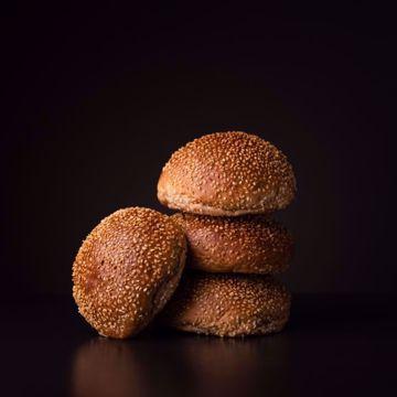 Afbeeldingen van 6 x sesam broodje tarwe (per 6 verpakt)