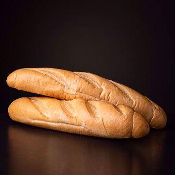 Afbeeldingen van Half afgebakken stokbrood middel (2st)
