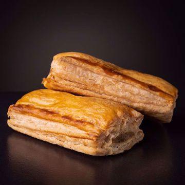Afbeeldingen van 2 Saucijzenbroodjes
