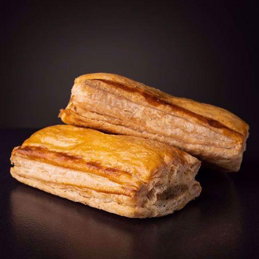 Afbeelding van 2 Saucijzenbroodjes