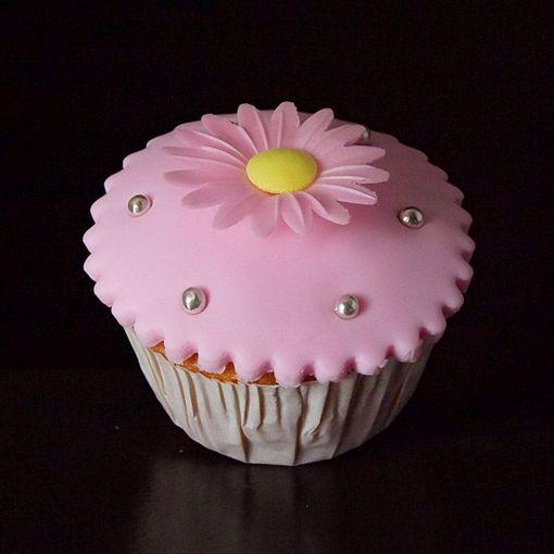 Afbeelding van Muffin met fondant en roze magriet